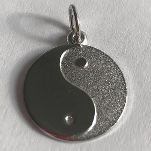 Jewelry - 2/$15 🖤 Yin and Yang Silver Pendant / Charm